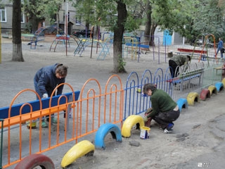 Компания «Жилстрой-2» продолжает благоустройство Дзержинского района