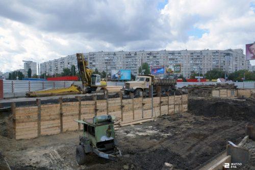 «Жилстрой-2» ведет строительство двух подземных переходов к станции метро «Героев Труда»
