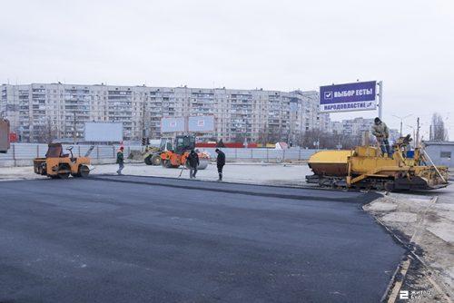 Сегодня вечером откроется движение по перекрестку у станции метро «Героев Труда»