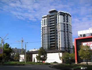 Завершается строительство конструктива здания ЖК «Флагман» по пер. Дергачевскому