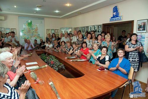 В «Жилстрой-2» поздравили сотрудников с Днем строителя