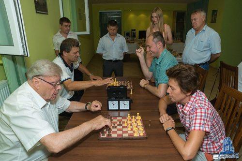 К Дню строителя «Жилстрой-2» провёл шахматный блиц-турнир