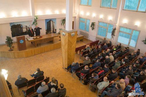 Юрий Кроленко поздравил коллектив производственно-комплектовочного центра «Жилстрой-2» с юбилеем компании