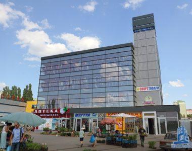 Торгово-офісний центр, вул. Академіка Павлова, 160