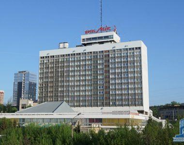 Готель «Мир», пр. Леніна, 27-А, 1979 р.