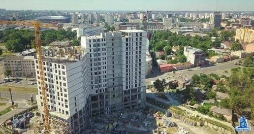 """Во второй секции МФК """"Манхэттен"""" начат монтаж вертикальных конструкций тринадцатого этажа"""