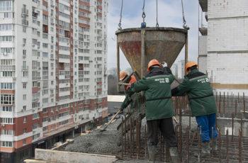 """В седьмой секции ЖК """"Павловский квартал"""" завершена кладка наружных стен седьмого этажа"""