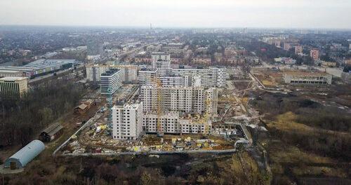 """В секции №3 дома №4 ЖК """"Пролiсок"""" ведется кладка наружных стен десятого этажа"""