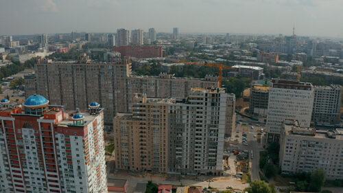 """В седьмой секции ЖК """"Павловский квартал"""" ведется монтаж вертикальных конструкций двадцатого этажа"""