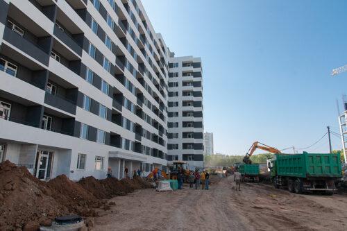 """В секции №1 дома №5 ЖК """"Пролiсок"""" продолжается  оштукатуривание стен в местах общего пользования"""